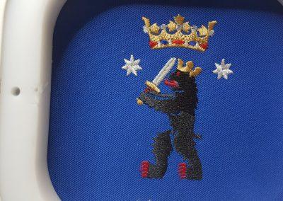 Kruunu_karhu_brodeeraus_embroidery